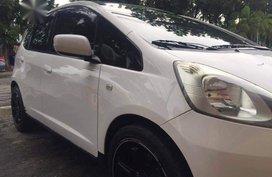 Sell White Honda Jazz in Quezon City