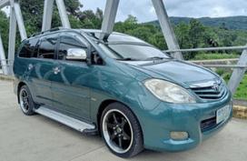 Toyota Innova G 2011 ( jade green metalic)