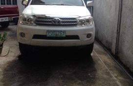 Selling Pearl White Toyota Fortuner 2011 in Marikina