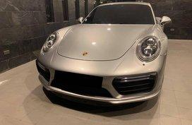 2018 Porsche Turbo s