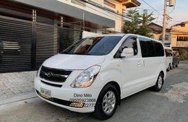 2015 Grand Starex CVX A/T VGT Diesel 12 Seater