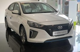2020 Brandnew Hyundai Ioniq Hyrbid with free Accent MT or 500k disc