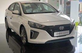 2020 Brandnew Hyundai Ioniq Hyrbid with free Accent MT or 500k disc