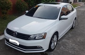 White Volkswagen Jetta 2017 for sale in Parañaque