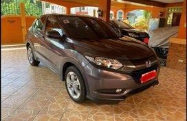 Selling Grey Honda HR-V 2017 in Manila