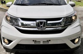 Selling White Honda BR-V 2017 in Manila