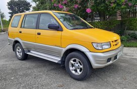 Sell Yellow 2004 Isuzu Crosswind in Manila