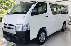 TOYOTA HIACE COMMUTER ALL IN PROMO PM ME