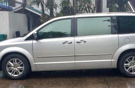 REPRICED 2009 Chrysler Town and Country