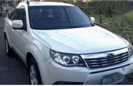 Selling Pearl White Subaru Forester 2010 in Pasig