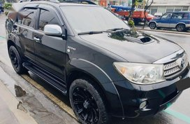 Black Toyota Fortuner 2010 for sale in Manila