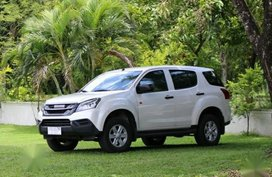 Pearl White Isuzu Mu-X 2016 for sale in Manila