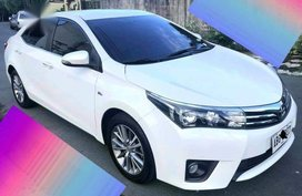 Sell Pearl White 2015 Toyota Corolla Altis in Manila