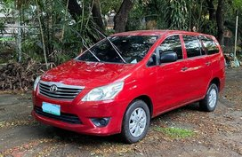 Red Toyota Innova 2012 for sale in Manila