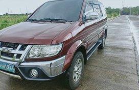 Sell Red 2012 Isuzu Crosswind in Lubao