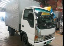 Selling Isuzu Elf N Series Aluminum Closed Van Truck 4 wheel