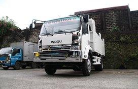 Selling Isuzu FRR Forward dump truck 6 wheel 4x2