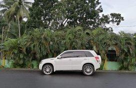 White Suzuki Vitara 2008 for sale in Manila