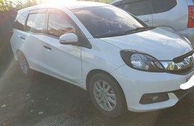 Selling White Honda Mobilio 2015 in Manila