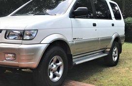 White Isuzu Crosswind 2002 for sale in Quezon City
