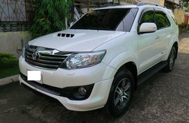White Toyota Fortuner 2015 for sale in Manila