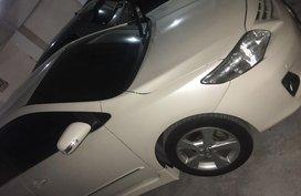 Selling White Toyota Corolla Altis 2013 in Makati