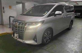 Selling Silver Toyota Alphard 2020 in Manila