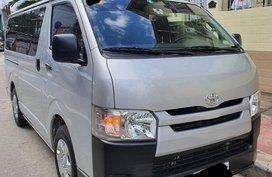 2019 Toyota Hiace commuter 3.0 MT diesel