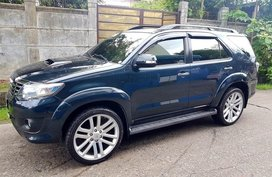 Blue Toyota Fortuner 2014 for sale in Manila