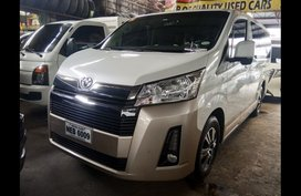 Sell White 2015 Toyota Hiace Grandia in Manila