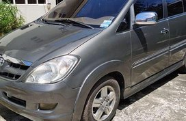Selling Grey Toyota Innova 2006 in Minglanilla