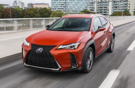 What makes the Lexus UX a great starter luxury crossover?