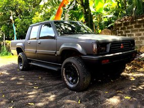1998 Mitsubishi Strada Manual Diesel well maintained
