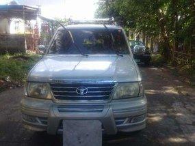 Toyota revo vx 200