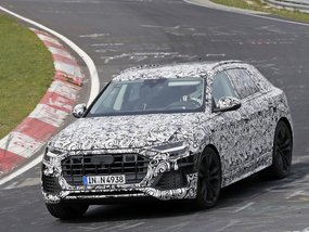 2018 Audi Q8 spied testing at the Nürburgring