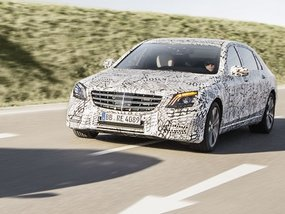 Mercedes brings new dashboard and updated driver assistance functions to the 2018 S-Class