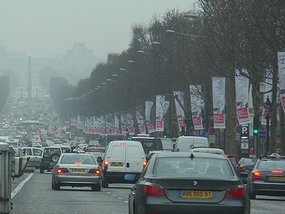Barcelona to ban pre-1997 vehicles to tackle emissions