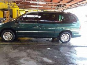 1999 Chrysler Town and Country Minivan