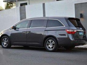 2013 Honda Odyssey Wide Body Luxury Minivan