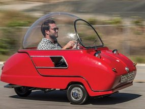 Peel Trident – World's smallest car to fetch £80,000 at auction