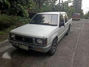1998 Mitsubishi L200 Pick-up White MT