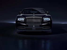 "Admire Rolls-Royce Dawn Black Badge ""project"" in mysterious black"