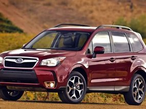 Drive home the Subaru Forester with P98,000 cash discount