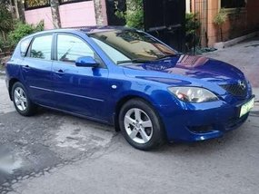 mazda3 05 hatchback all pwr 1.5 nice little car easy to park N drive