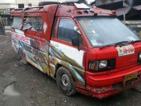 Toyota LiteAce 2004 Red MT For Sale