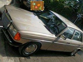 Mercedes Benz W123 230e 1984 matic