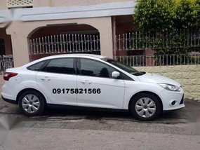 Ford Focus 2014 1.6 AT White For Sale
