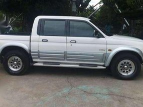 Mitsubishi Endeavor L200 White 2001 MT