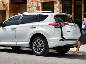 Top 5 compact SUVs with roomiest cargo space
