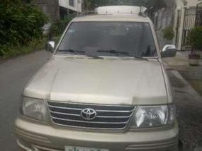 Toyota Revo VX200 2006 AT Golden For Sale